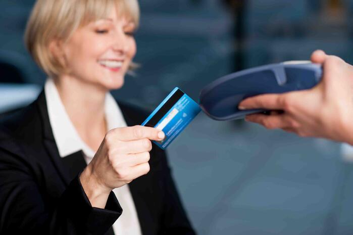 Quel est le meilleur moyen de paiement pour les déplacements professionnels ?