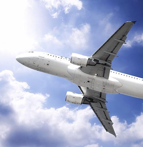 Les entreprises peuvent réclamer des dommages des vols en retard sur lesquels voyagent leurs salariés